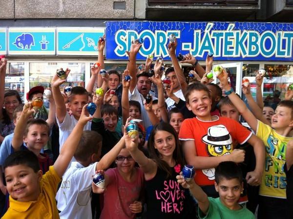 Tatabánya - belvárosi peonza játékosok