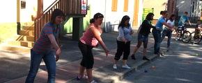 Győrszentiváni szülők peonzával játszanak